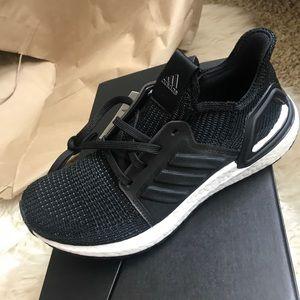 2019 ultra boost black